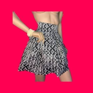 Black and white Jacguard skirt